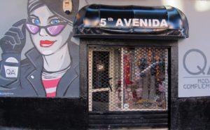 Decoración facha tienda de ropa